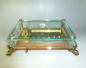 Vintage Reuge Music Box CH 3 / 72. Beautiful Crystal Clear Glass Brass Feet Case Model ( Watch The Video )