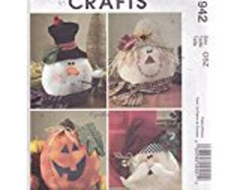 McCalls crafts pattern M 4942 Holiday Decorations  NEW