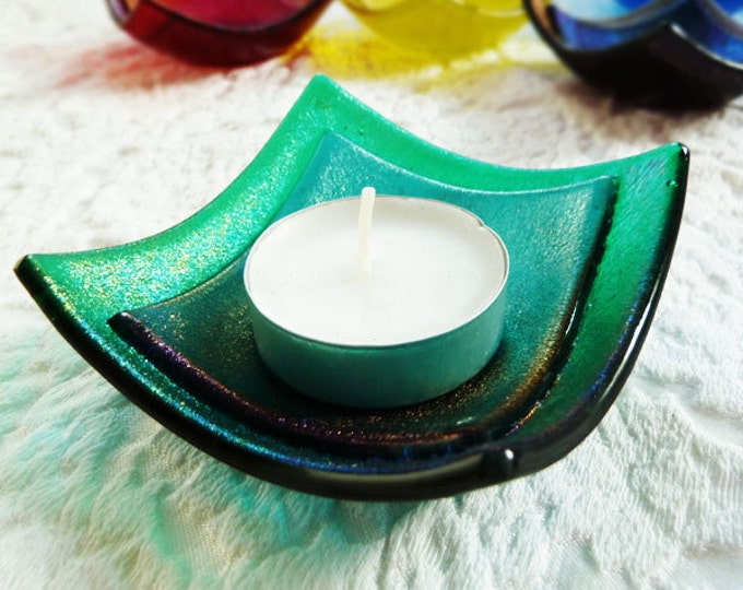 Green tealight holder made from iridescent fused glass