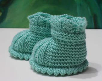 Mint baby booties Knitted baby bootees Knit baby shoes Newborn boots 0-3 month Crib shoes Gift for newborn