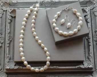 White Pearl Necklace, Pearl Necklace, Pearl Earring, Matching Pearls, Pearl Bracelet, Bridal Pearls, Wedding Pearls