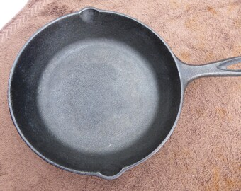 Lodge Cast Iron fry pan model 5SK 8""