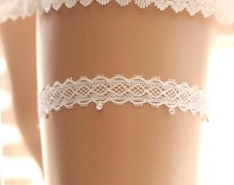 Wedding garter, bridal garter, toss garter, rhinestone garter, crystal garter, lace wedding garter, glittering garter, ivory garter