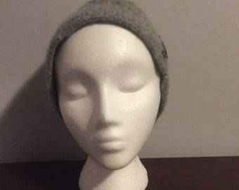 Grey bucket winter hat with buttons
