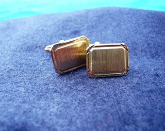 1960s Vintage Gold Tone Oblong Bevell Edged Cufflinks