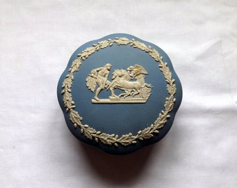 """Wedgwood Trinket Box Blue Jasperware   featuring """"Ulysses staying the chariot of Victory"""""""