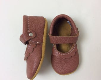 Cognac Brown Mary Janes Leather Baby Moccasins, tstrap, Soft Soles, Crib Shoes,  leather mary janes, baby moccs, toddler moccasins,  camel