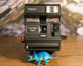 Old Style Polaroid OneStep Flash Instant Camera - Tested #P141