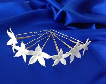 Set of 6 White Stephanotis Hair Pins, White Jasmine pins Weddings, Hair accessories, Hair pins, Jasmine hair clip, NOT FRAGILE!
