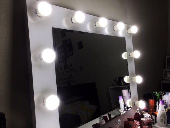 Vanity Light Bulbs Daylight : Best Deal Makeup Vanity mirror with 11 daylight LED bulbs.