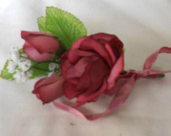 Set of 6 Mauve antique roses color boutonniers or corsages