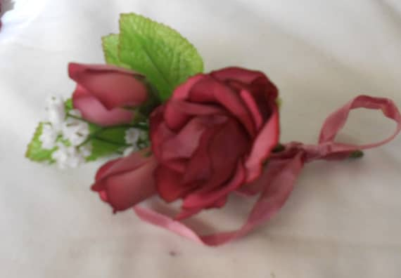 Set of 9 Mauve antique roses color boutonniers or corsages
