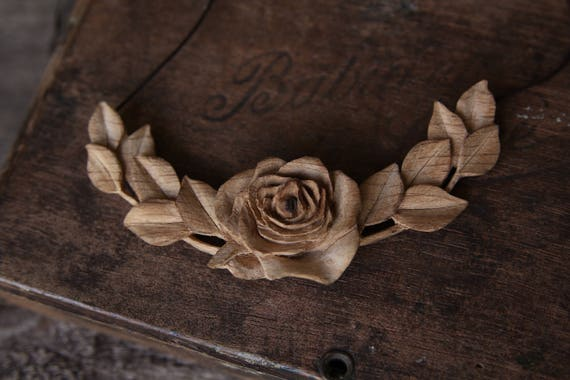 Hand Carved 'Rose Wre...