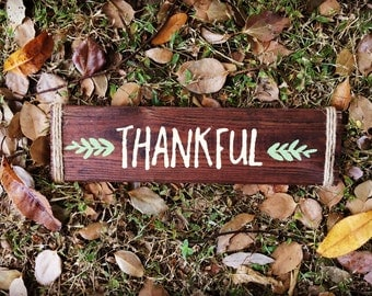 "Wooden ""Thankful"" with leaves sign"