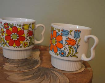 Vintage Stacking Mugs, Japan set of 2, flowers