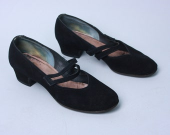 Vintage 1940s Shoes | Black Suede Low Heel Double Strap Mary Janes | Size 7