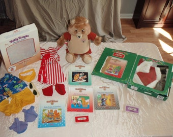 Teddy Ruxpin Original with books, tapes, outfits 1985 Worlds of Wonder
