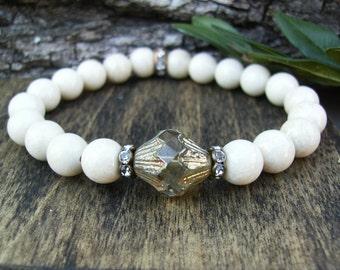 White Stone Bracelet, 8mm Stretch Bracelet, Stacking Bracelet, Czech Glass, Beaded Bracelet, Creamy White, Boho Jewelry, Romantic Bracelet