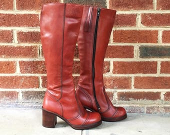 Vintage 70s Imperial Rust Red Leather Stacked Heel Stitched Toe Tall Knee High Zip Up Campus Boots 7