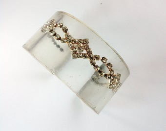 Clear cuff bracelet with stone- Beautiful acrylic jewelry with stone beaded inside