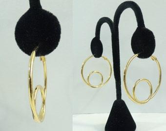 80s metal spiral earrings, 1980s goldtone hoop earrings, swirl minimalist earrings, vintage earrings, costume jewelry