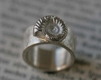 Shell ring in solid 925 Silver