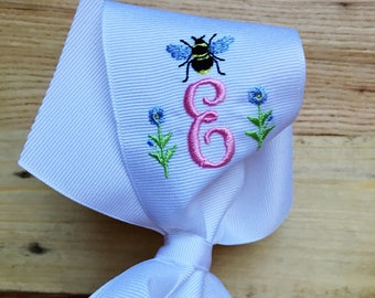 Grand Bee Bow
