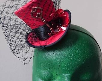 Miniature steampunk top hat. Wedding/Steampunk/goth/Cosplay/larp accessory