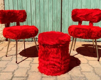 Pair of red moumoute french chairs with pouf - 70's