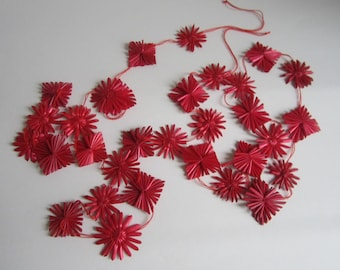 Red retro straw garland with 31 stars for Christmas and home decor for hanging