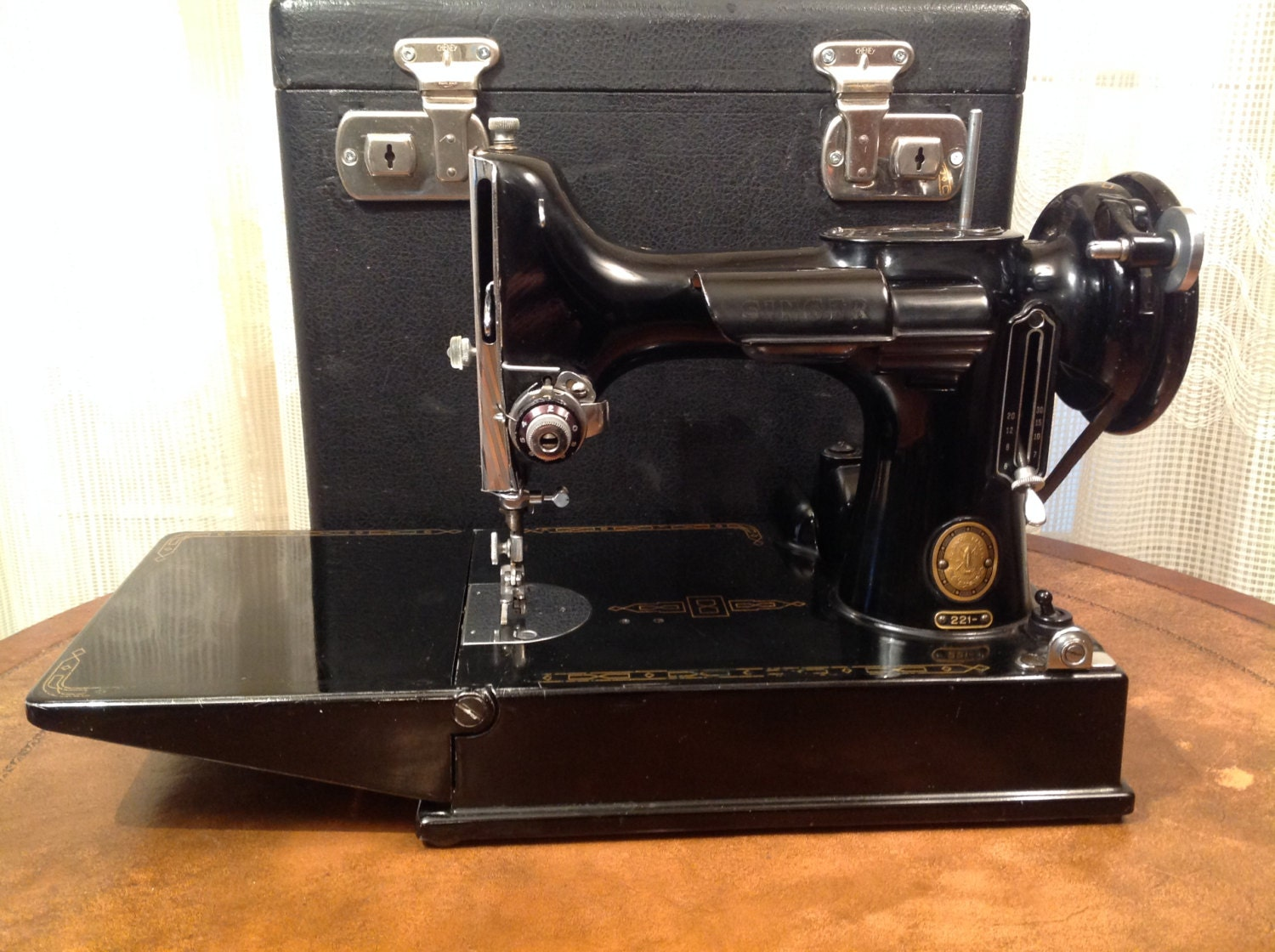 dating singer featherweight