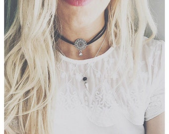 Necklace choker and chain strand Truth