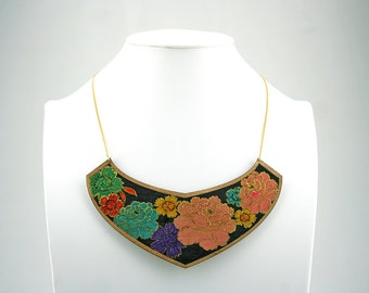 Handpainted wood necklace.