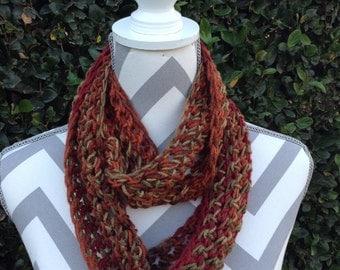 Infinity Scarf / Crochet Infinity Scarf / Cowl Scarf / autumn Infinity Crochet Scarf / Neck Warmer / Circular Scarf / Crochet Accessories