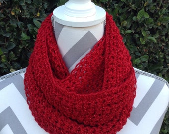Infinity Scarf / Crochet Infinity Scarf / Cowl Scarf / Red Infinity Crochet Scarf / Neck Warmer / Circular Scarf / Crochet Accessories