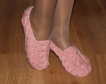 Hand knit slippers Warm slippers Women's slippers for the house.