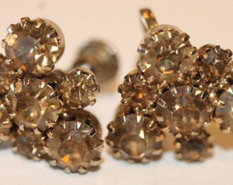 Vintage silver tone champagne rhinestone screw on earrings