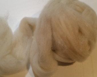 Fine wool and angora rabbit roving