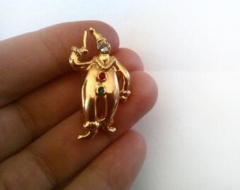 Elegant Golden Clown Brooch With Rhinestones Face