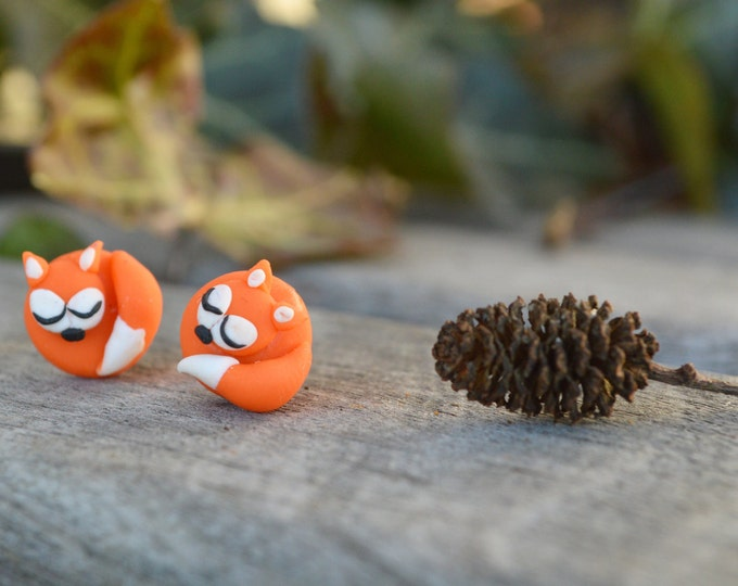 Fox earrings,  cute handmade jewelry, hypoallergenic earrings. fimo fox earrings, mini red fox, sleepy fox, gift for her, original earrings