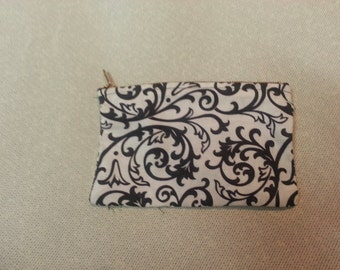 Small Black and White Design Change/Jewelry Purse
