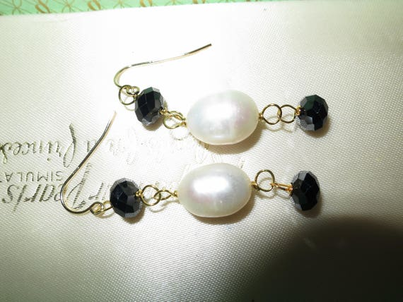 Lovely new handmade genuine 12mm white cultured pearl and black onyx earrings gold plated