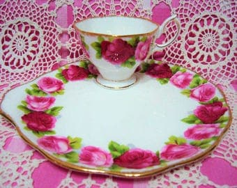 Richly Gilded Vintage Royal Albert OLD ENGLISH ROSE Snack Set.