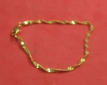 F-89  Vintage Bracelet 7 in long