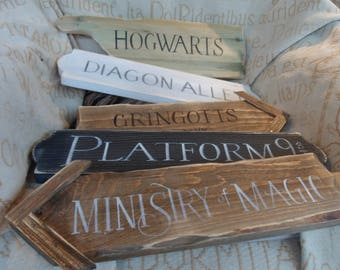 Harry Potter fairytale signpost yard mancave signs Hogwarts Knockturn Alley Diagon Alley Gringotts Platform 9 3/4 Ministry of Magic muggles