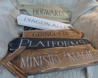 Harry Potter fairytale signpost yard mancave signs Hogwarts Knockturn Alley Diagon Alley Gringotts Platform 9 3/4 Ministry of Magic muggles