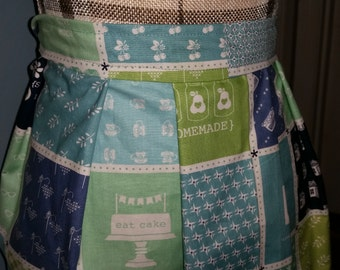 Home Life Gathering Apron for Eggs or Gardening with Choice of Pockets - Waist Tie