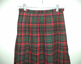 Pendleton vintage pleated accordion wool skirt// Plaid preppy grunge knee length high waist 80's USA// Size XS small 2 4 US 26 W