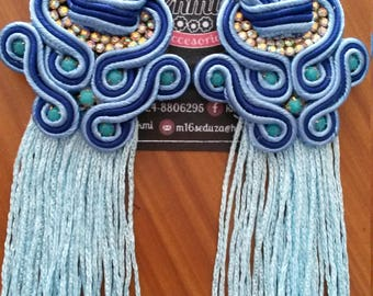 Blue earrings with long fringes