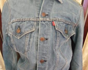 Vintage Levis Denim Jacket 1971 To 1980S Era Red Label Single Stitching Waistband Denim Country Western Boyfriend